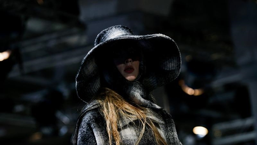 Madrid fashion week kicks off in front of audience
